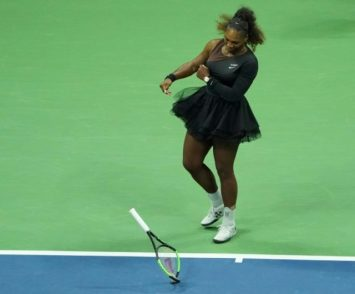 652318_racquet-serena-williams-smashes-her-racket-her-us-open-final-loss-naomi-640x531